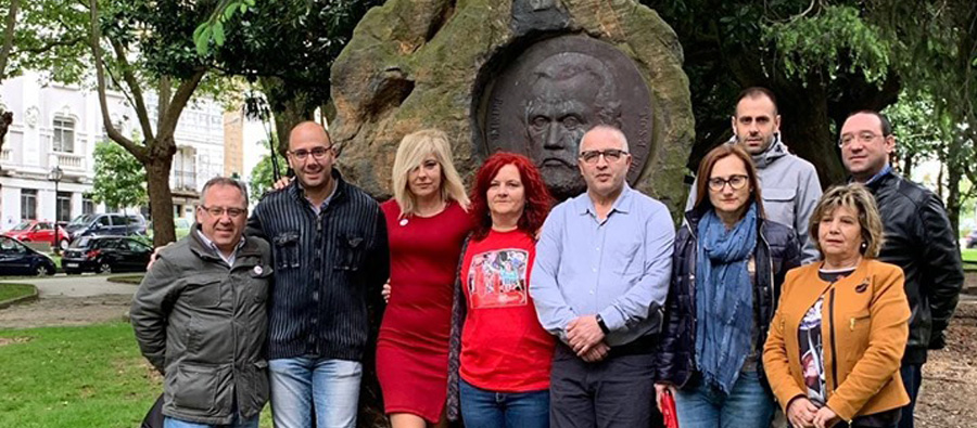 Ofrenda floral a Pablo Iglesias no Día do Traballo